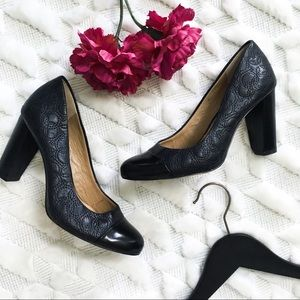 Ann Taylor Quilted Navy Leather Captoe Heels